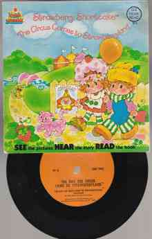 Image for Strawberry Shortcake  The Circus Comes to Strawberryland Book & Record Set